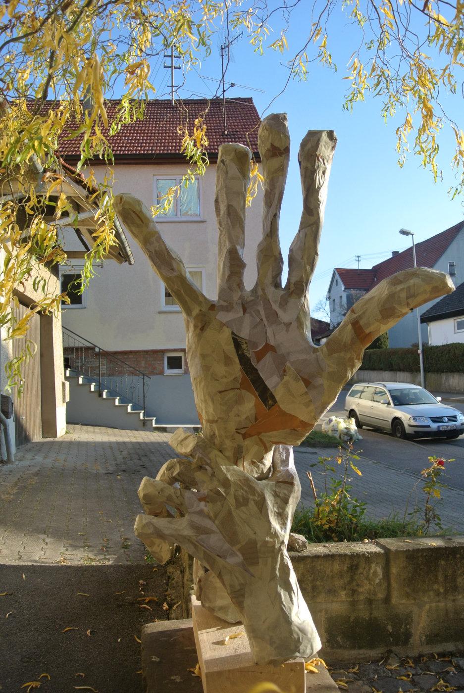 Hände Papiermaché